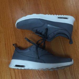Nike Shoes - Women's NIKE Air Max THEA size 9